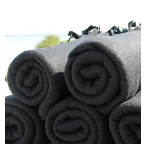 Czarne koce z frędzlami 130x160cm 10 sztuk w sklepie Dedekor.pl