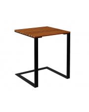 Drewniany stolik ogrodowy